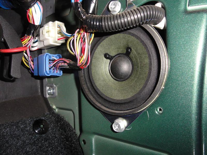 Upgrading The Original Speakers From The Suzuki Jimny